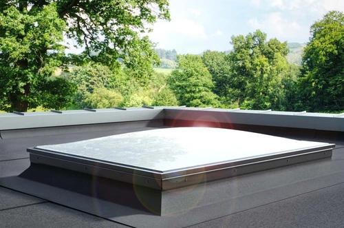 10-modelos-de-janelas-de-sotao-que-tem-de-conhecer-janela-plana-pgx-b6